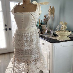 Allison New York beautiful white lace dress